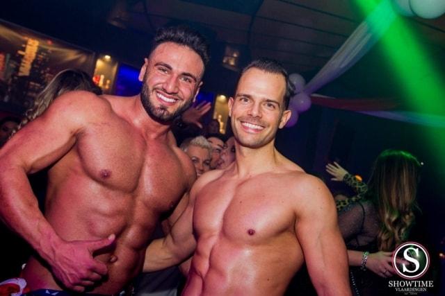 Strippers Kevin en Helios