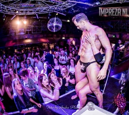 Strippers op de ladiesnight voor een onvergtelijke avond
