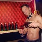 Toples bartender tijdens je cocktail workshop
